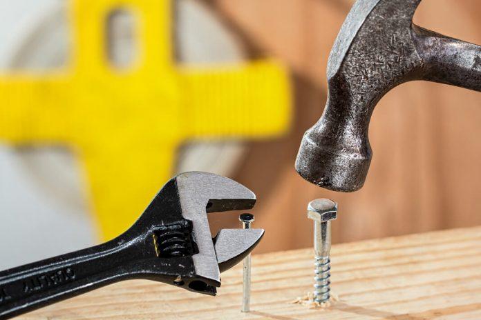 Jakie narzędzia warto posiadać w domu